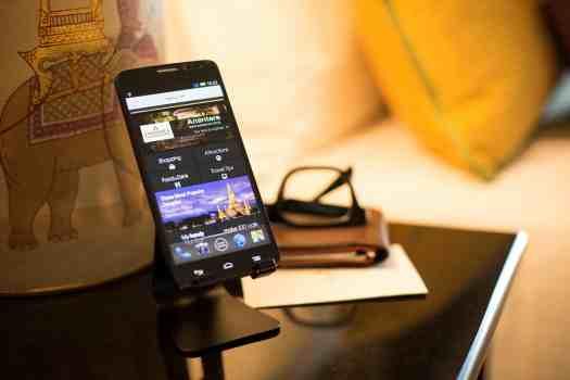 Thailand-bangkok-hotel-Anantara-Handy Smartphone (1)