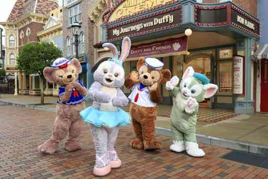 Hong-kong-disneyland-duffy-and-stella-lou-3