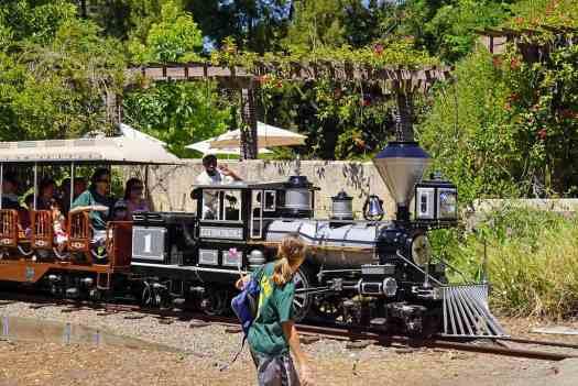 Usa-oakland-zoo-train-credit-allie-caulfield