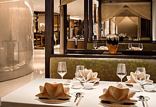 Hong-kong-restaurant-yue-table-setting-City-Garden-Hotel