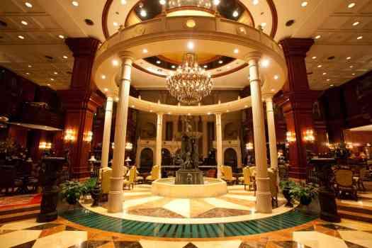 image-hotel-lobby-imperial-palace-seoul
