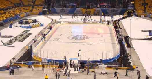 nhl_winter_classic_2011_Pittsburgh_Heinz_Field_NHL
