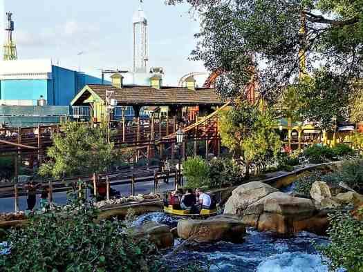 image-of-water-shoot-at-knotts-berry-farm-amusement-park-in-buena-vista-california