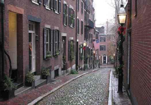 image-historic-boston-cobblestone-alley
