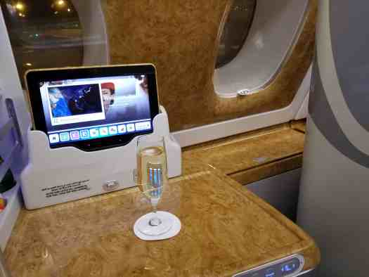 aviation-emirates-hkg-bkk-aboard (30)