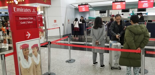 image-of-emirates-airline-hong-kong-airport-check-in-counter