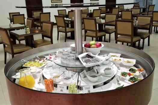 emirates-airline-hong-kong-airport-business-class-lounge-cold-dishes