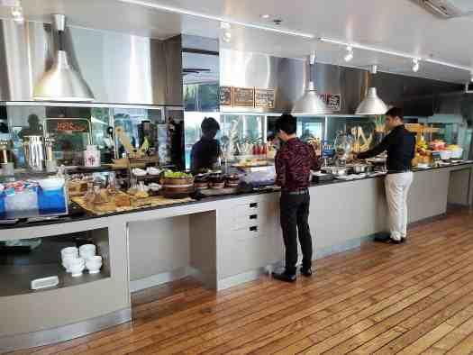 image-of-hotel-bsaraquda-breakfast-buffet