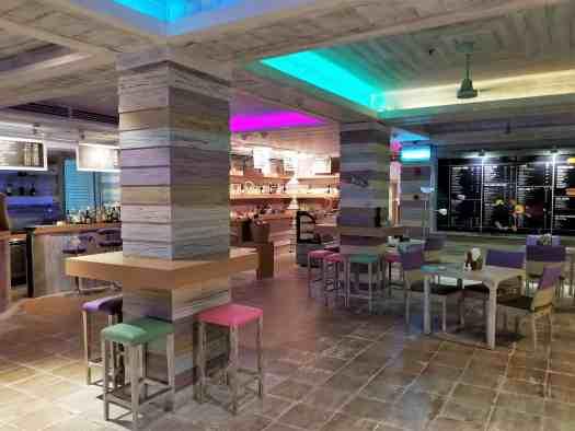 image-of-mercure-hotel-pattaya-aqua-pool-bar-and-club-interior