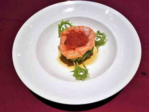 thailand-pattaya-restaurant-mantra-altantic-salmon-and-avocado-salad