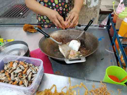 image-of-cooking-phad-thai