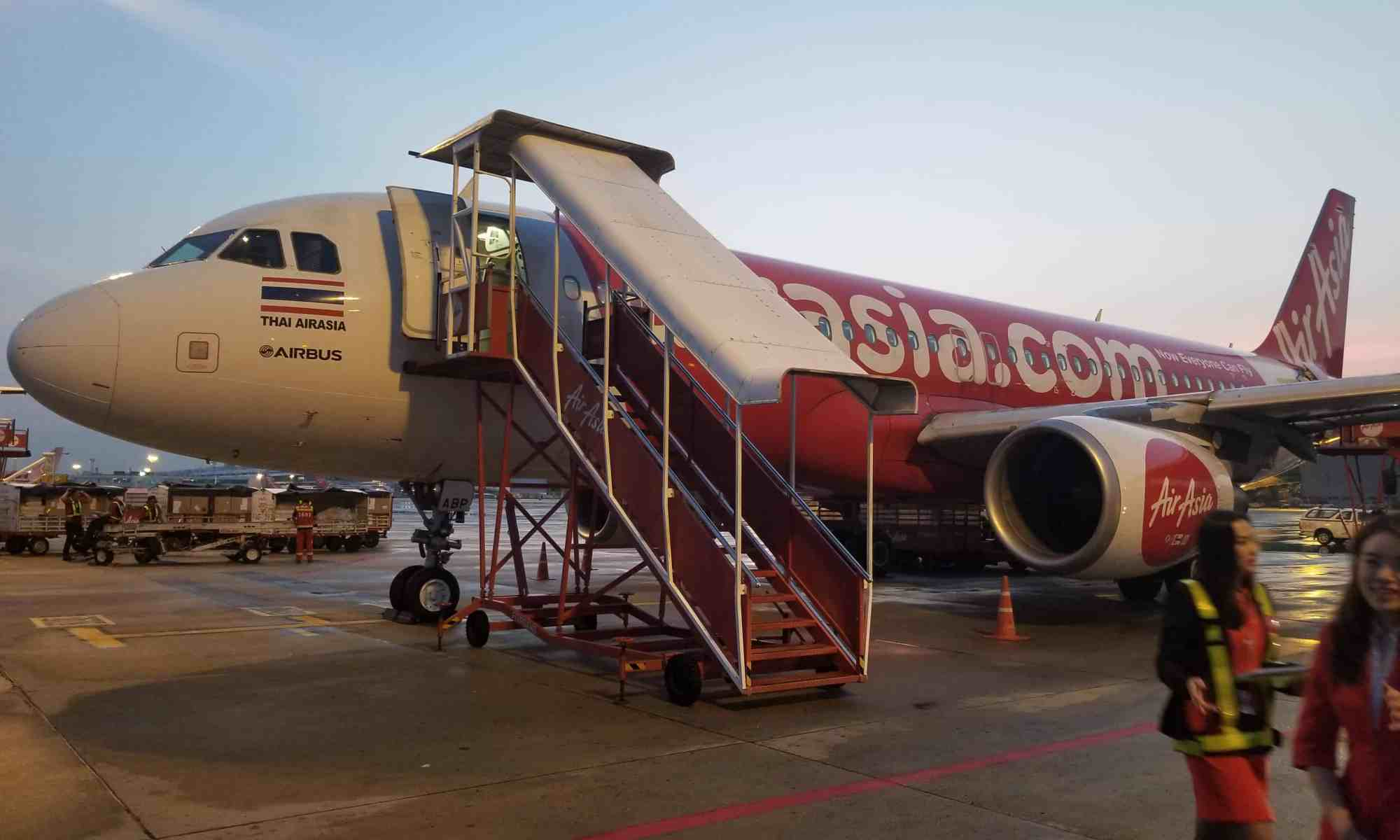 image-of-airasia-airbus-a320-200-at-phuket-international-airport