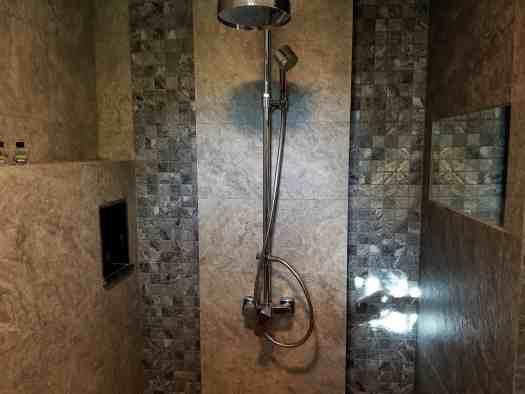 th-phuket-hotel-naiyang-bathroom (2)