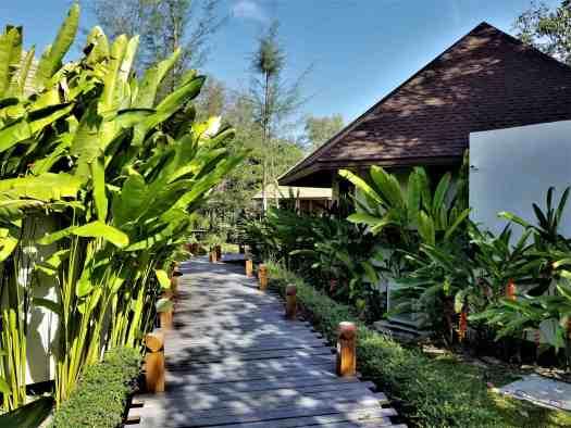 th-phuket-hotel-naiyang-grounds (3)