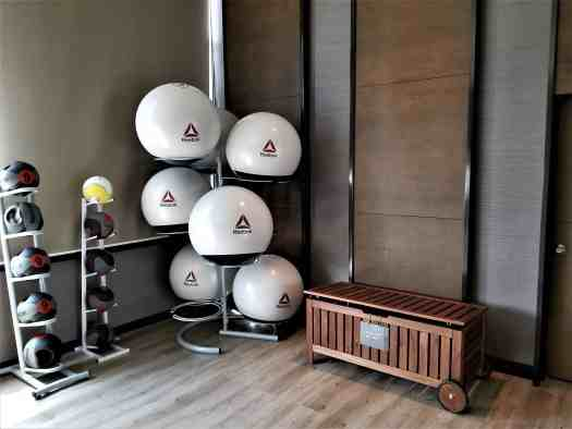 image-of-bangkok-marriott-marquis-queens-park-hotel-gym-balance-balls