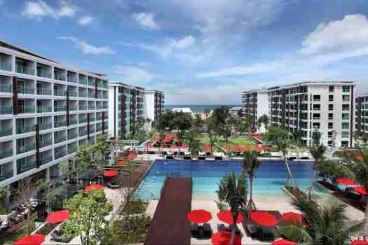 amari-hotel-swimming-pool-in-hua-hin-thailand