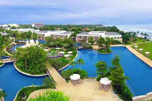 swimming-pool-atf-sheraton-hua-in-resort-and-spa-in-thailand
