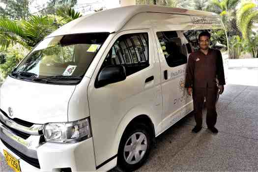 image-of-proud-phuket-thailand-hotel-airport-limousine