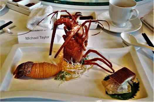 image-of-lobster-at-hong-kong-style-chinese-restaurant
