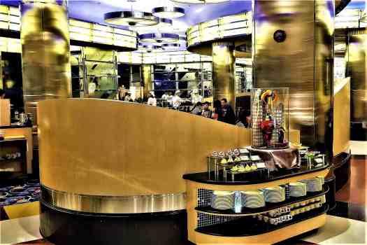 image-of-dessert-station-chef-mickey-restaurant-at-disneys-hollywood-hotel-in-hong-kong