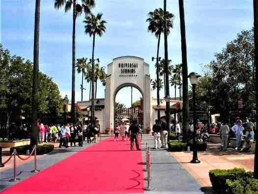 image-of-universal-studios-entrance