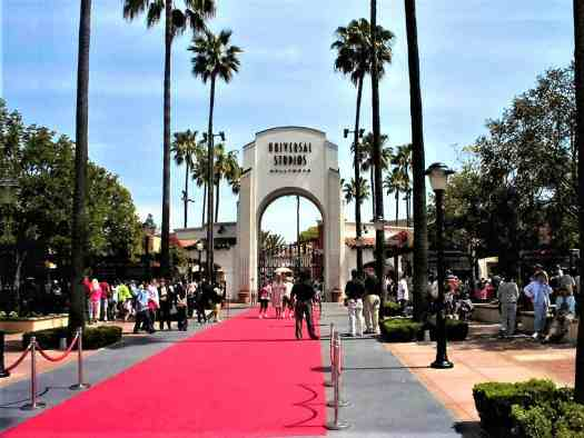 image-of-universal-studios-entrance