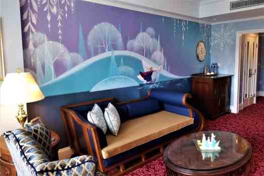 image-of-hong-kong-disneyland-hotel-frozne-suite-sitting-room