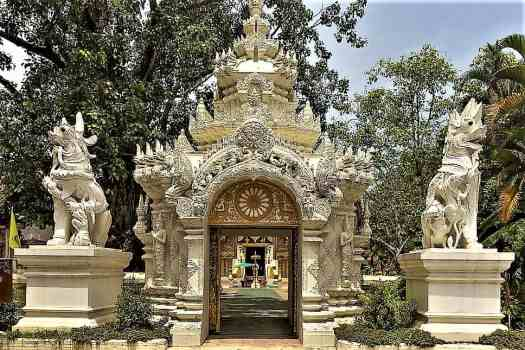 image-of-pra-sing-buddhist-temple-chiang-rai-thailand