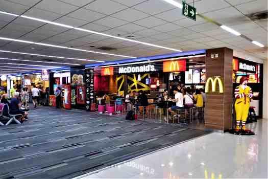 image-of-bangkok-don-mueang-international-airport-domestic-terminal-mcdonalds-outlet