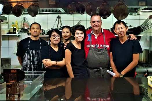 image-of-harlan-goldstein-and-restaurant-staff
