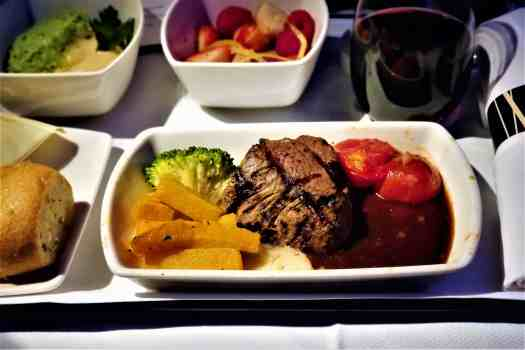 image-of-cathay-pacific-airways-business-class-dinner