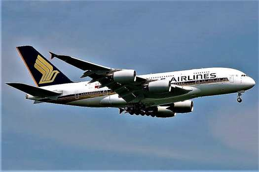 image-of-singapore-airlines-jetliner-in-flight