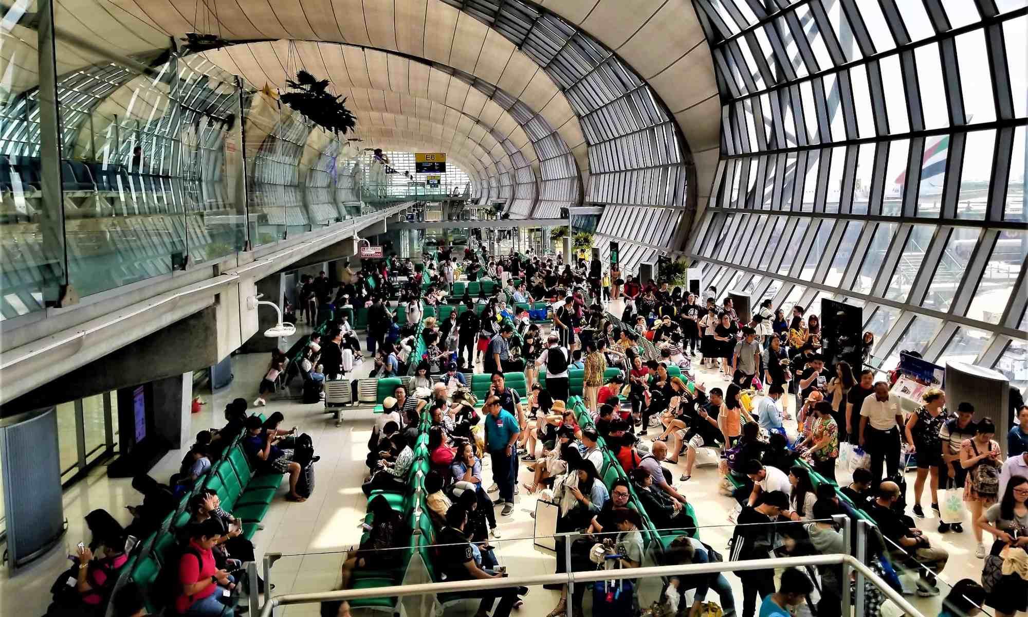 imageLof-departure-gate-at-bangkok-international-airport