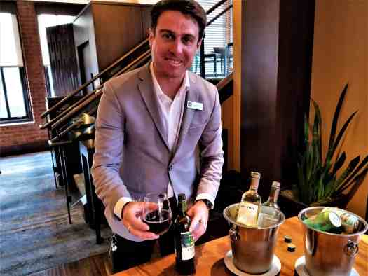 image-of-san-francisco-hotel-fairmont-heritage-place-ghirardelli-square-staff-pouring-wine