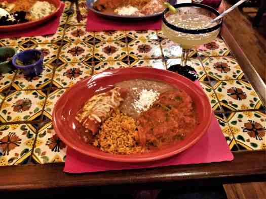 image-of-combination-plate-at-estrellita-mexican-restaurant-and-cantina