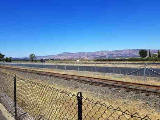 image-of-napa-valley-vine-trail-railroad-tracks