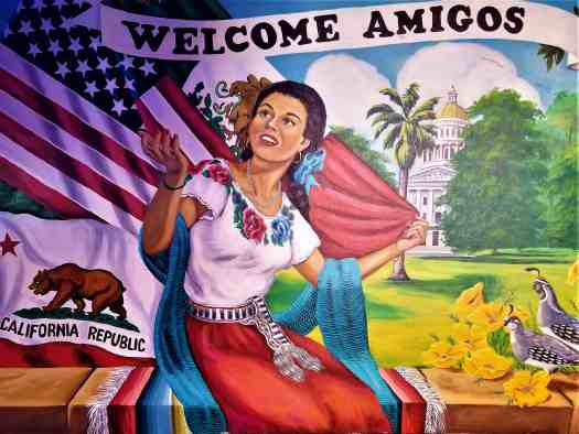 image-of-sacramento-restaurant-luis-jrs-mexican-food-mural-welcome-amigos