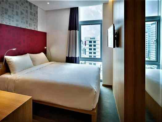 superior guest room at travelodge dongdaemun in seoul korea with queen size bed