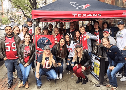 nfl-houston-texans-fans-at-denver-sports-bar.png