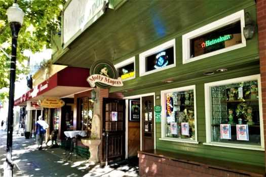 irish-pub-on-castro-street-in-downtown-mountain-view-california