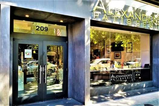 french-patisserie-on-castro-street-in-downtown-mountain-view-california