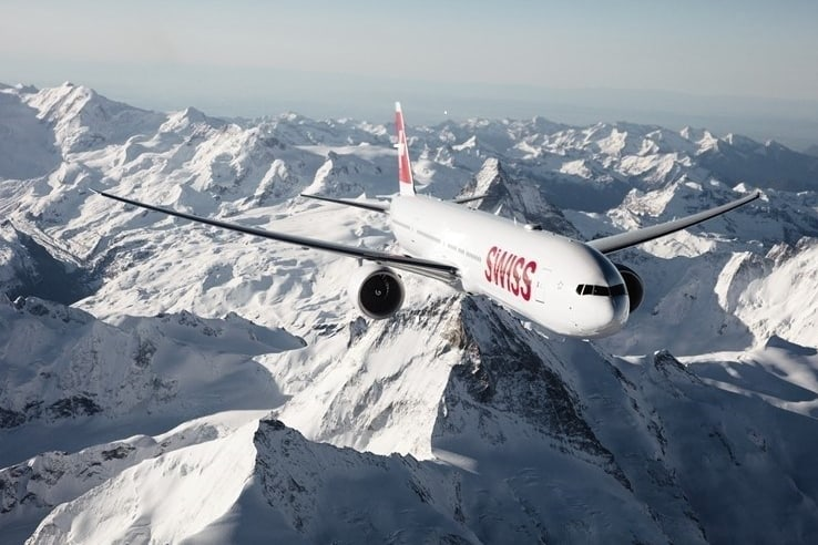 swiss-air-lines-flying-over-the-arctic