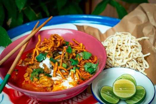 kao-soi-thai-noodles-from-samsen-hong-kong