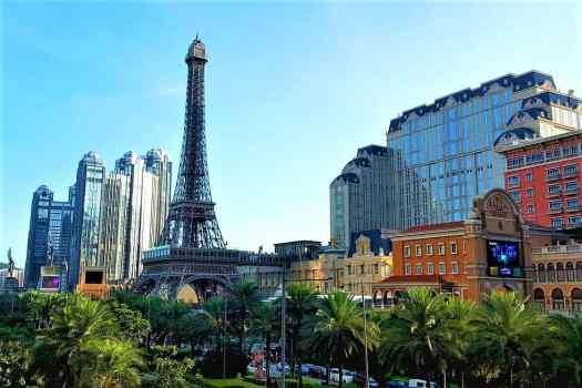 eifel-tower-at-parsien-hotel-in-macau-china