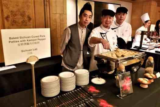 chefs-serving-sichuanese- pork-paddies
