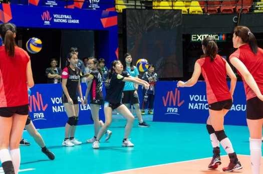 china-and-hong-kong-volleyball-teams-play-friendly-match