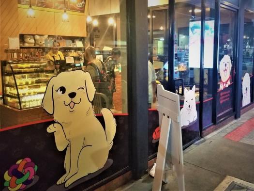 bangkok-dog-cafe-entrance
