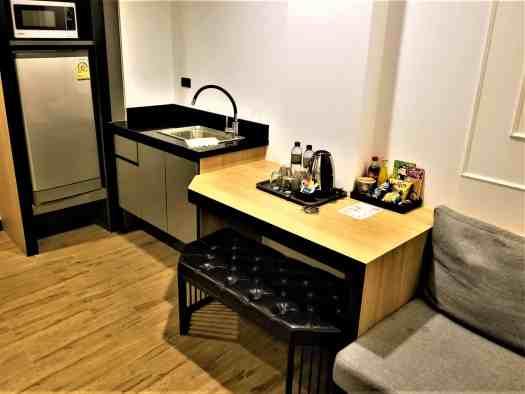 chezzotel-pattaya-room-508-kitchenette