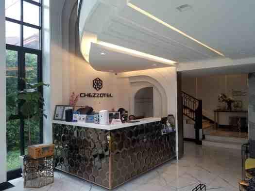chezzotel -pattaya-hotel-lobby
