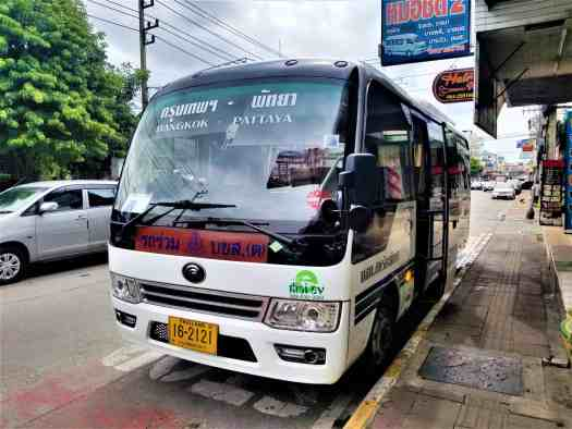 bangkok-pattaya-intercity-bus-parked-on-pattaya-central-road